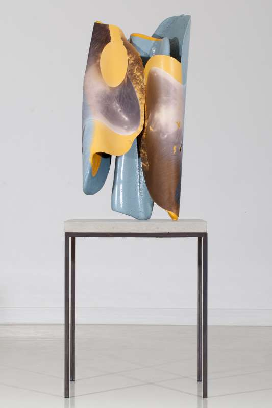 Nikola Ukic, Self-Mastering (Series / Henry Moore: Lying figure in two pieces, 1969, Hofgarten Düsseldorf), 2012